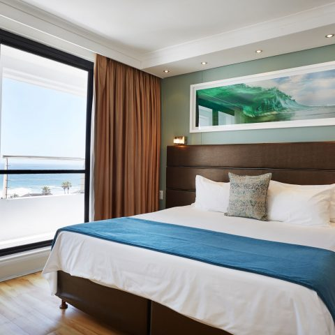 1 Bed apartment sea facing room with balcony