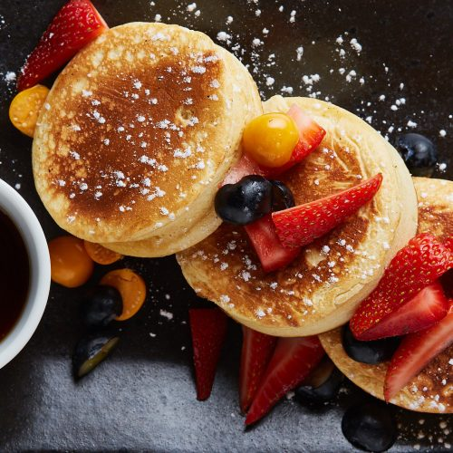 Flapjack _ maple syrup with fresh berries 4
